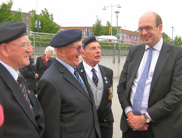 Cllr Mark Reckless MP with veterans of the 1940 evacuation from France